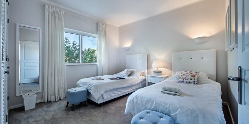 Twin Bedroom in the luxury boutique Villa Florabella